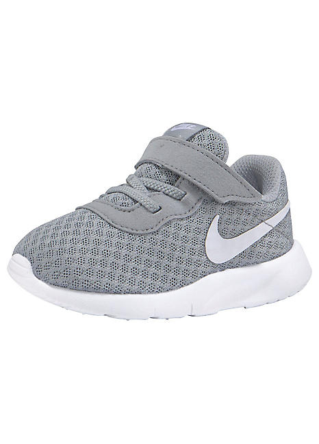 childrens nike trainers